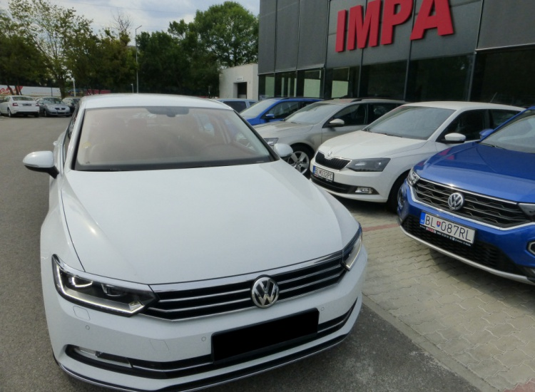 Volkswagen Passat  2,0 TDI HIGHLINE AT / 110 kW
